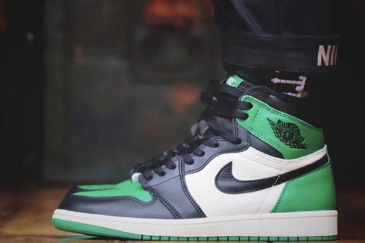 An On Feet Look At The Air Jordan 1 High Pine Green Air Jordans Air Jordans Retro Jordan 1 Retro High