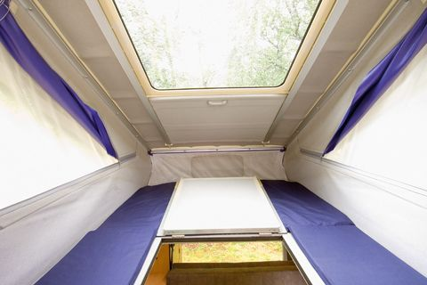 2006 Wellhouse Leisure Mazda Bongo Friendee - roofline bed