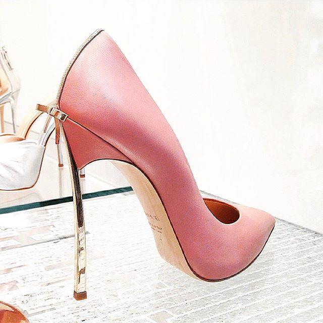 @shoesinyo  #fashion #moda #fashionista #streetstyle #stylish #heels #happy #womenstyle #stylegram #styleaddict #fashionstyle #vogue #dailystyle #fashionheels #streetchic #love #modvay #NewYork #losangeles #fashionisnpo #fashiondiaries #fashionista #fashiongram #fashionable #instastyle #instagood #streetlook #shoesinyo #stylebloggers#туфли
