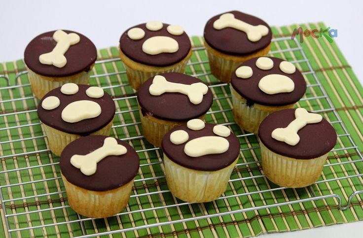 Cupcakes decoración de Perritos on Mocka  http://www.mocka.co/wp-content/gallery/cupcakes/IMG_4556.jpg