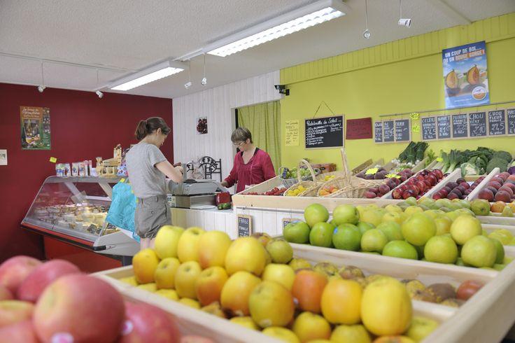 #ducey #villageetape #manche #normandie #epicerie #etal #fruits #pommes #etaldefruits #produitsfrais #piquenique