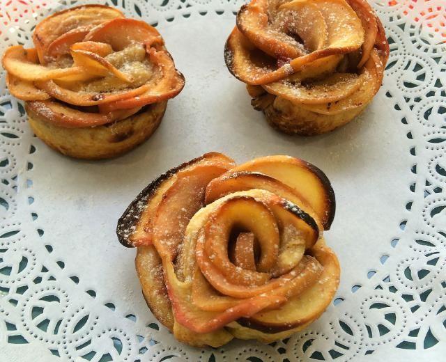 Preciosas, ricas y fáciles de hacer: Rosas de manzana y hojaldre: Rosas de pasta de hojaldre y manzana: buen sabor y linda presentación