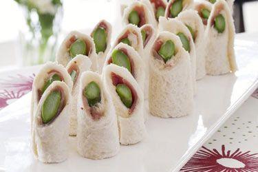 Asparagus, prosciutto and aioli rolls