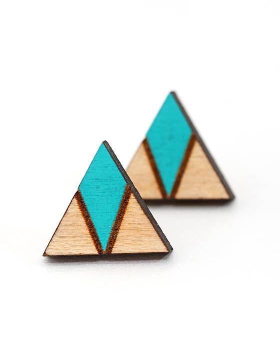 Core - Arrow Head Earrings - Emerald – Daisy Chain Store