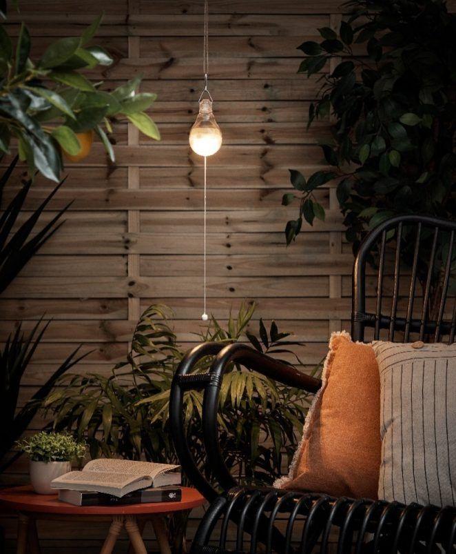 9 Idees Gifi Pour Preparer Le Jardin Pour Les Beaux Jours Lanterne Solaire Salon De Jardin Gifi Et Solaire