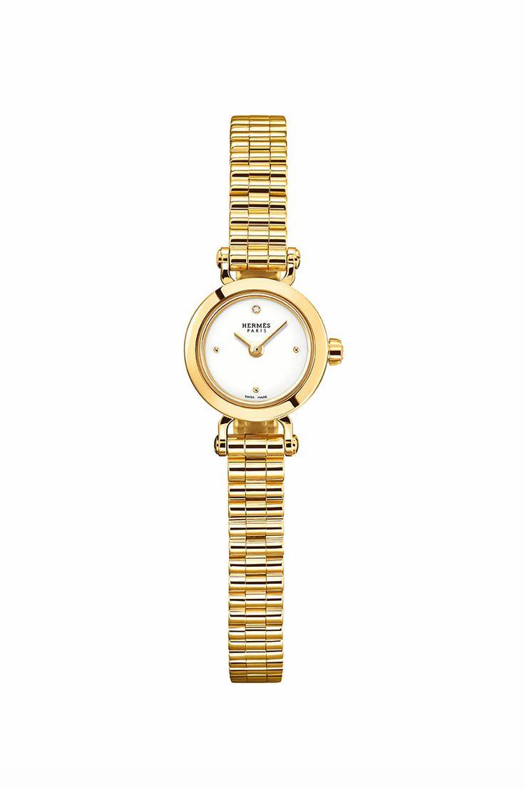 Atemporal, delicado y único… déjate conquistar por el nuevo miembro de la maison #Hermès.  http://www.vogue.mx/articulos/relojes-joyas-la-montre-hermes-faubourg/3318