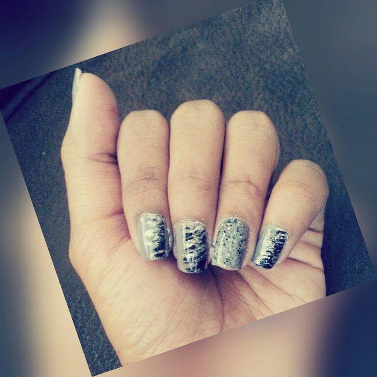 Tried the grey nail polish... #sallyahansengreige #nailcandi nailart brushes... I like it