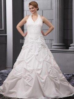 Sans manches robe de mariée de grande taille en satin ornée de broderies avec un col en V