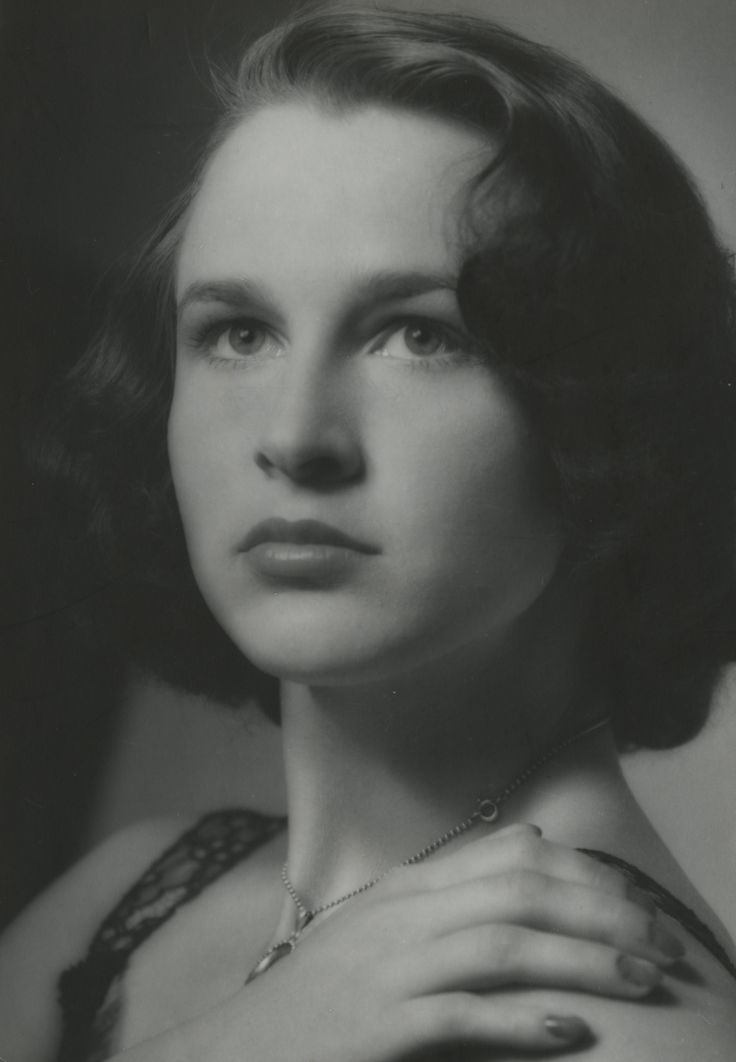 Tove Arni (born March 1, 1919 in Soeborg) is a Danish actress who managed to record the following movies: Millionaire Boy - 1936 Today life begins - 1939 Beware fluctuated Solby - 1940 Do you think I was born yesterday? - 1941 Miss Wildcat - 1942  www.dfi.dk/faktaomfilm/person/da/118874.aspx?id=118874