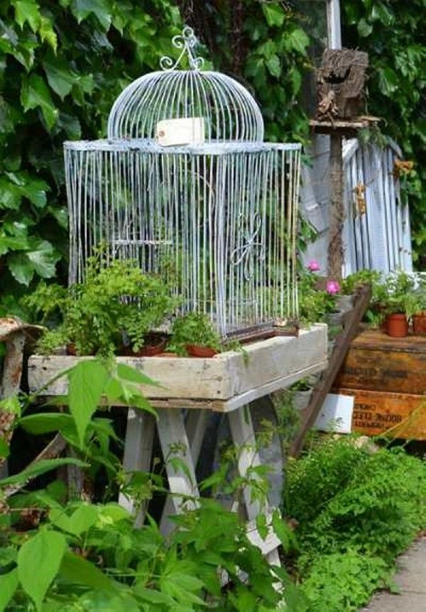 24 best images about bird cages on pinterest gardens for Decorative birds for outside