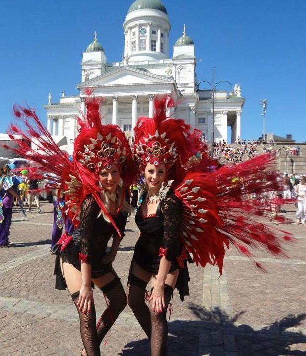 Samba Roseira's  Ninni's and Hanna's skirts to Helsinki Samba Carneval patterned and made by Jaana Bragge.