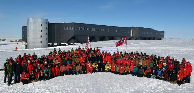 Antes de la llegada del invierno, la base antártica estadounidense de Amundsen-Scott, en pleno polo sur, recibe 16.500 condones para los cerca de 125 residentes.