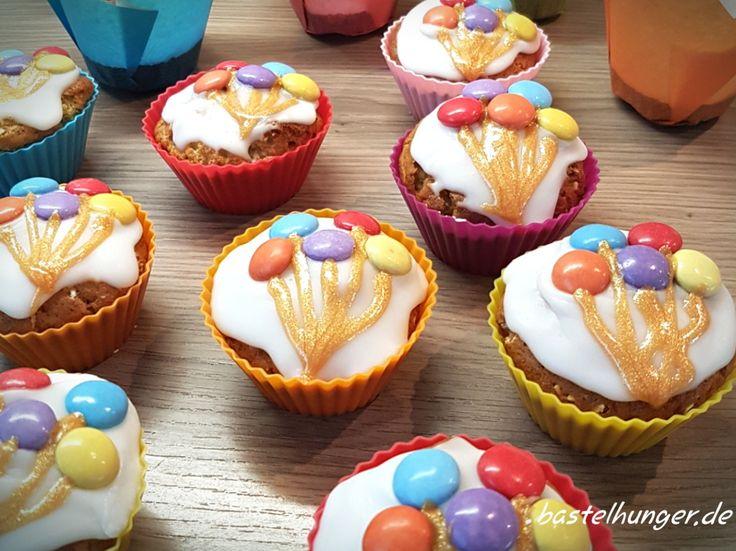 Muffins mit Luftballon Motiv. Ganz einfach mit Smarties selbst gestaltet.