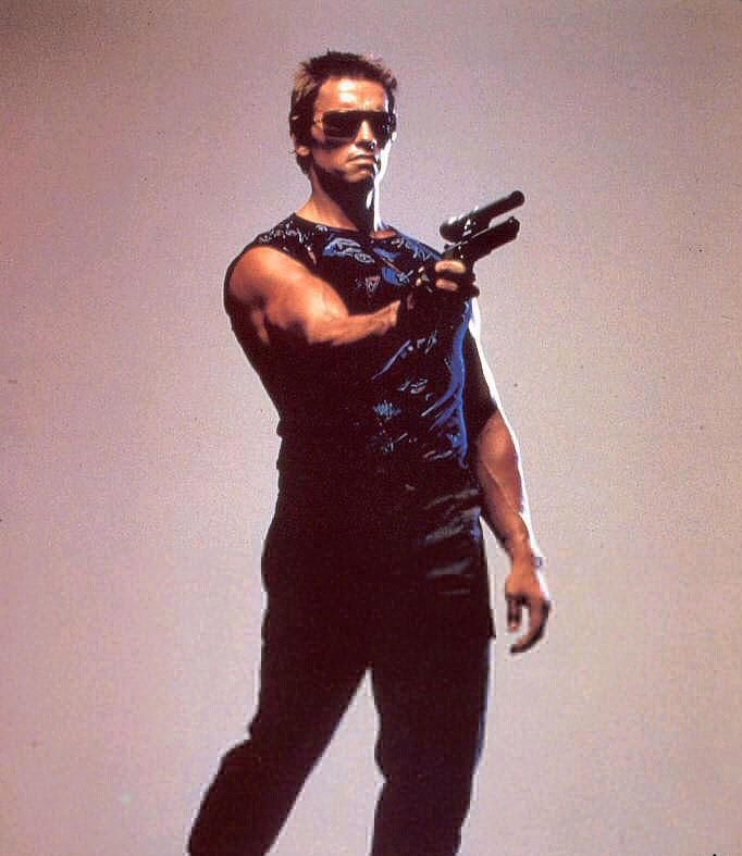 Promotional image of Arnold Schwarzenegger as the T-800 in THE TERMINATOR (1984).