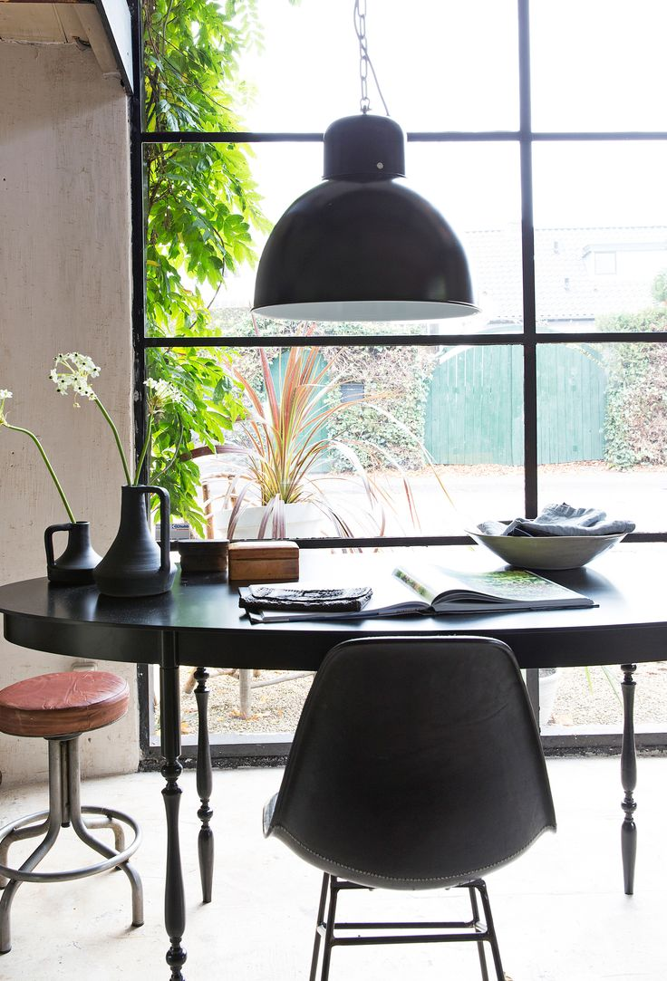 Industrial black dining room/workspace with light Solar by vtwonen, table and chair by Meker Wonen and accessoires by Store without a home. | Styling @cscheulderman & @fransuyterlinde  | Photographer Jansje Klazinga & Jeroen van der Spek | vtwonen May 2015 | #vtwonencollectie