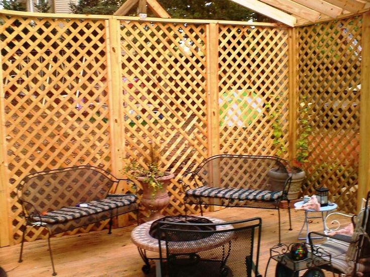 Lattice fence ideas lattic top and full lattice style for Lattice panel privacy screen