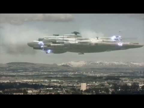 GIGANTIC UFO in Moscow Russia - YouTube