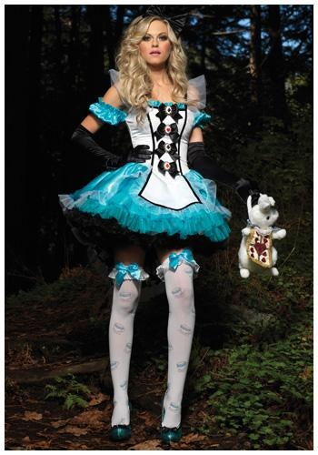 Alice in Wonderland Costume  www.tablescapesbydesign.com https://www.facebook.com/pages/Tablescapes-By-Design/129811416695