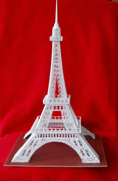 Harold Nieuwenhuis's 3D quilled Eiffel Tower