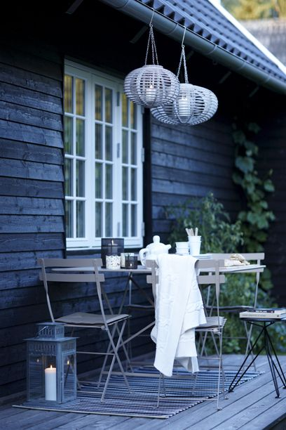 Outdoor fika time!  ~ Lovingly repinned by www.skipperwoodhome.co.uk