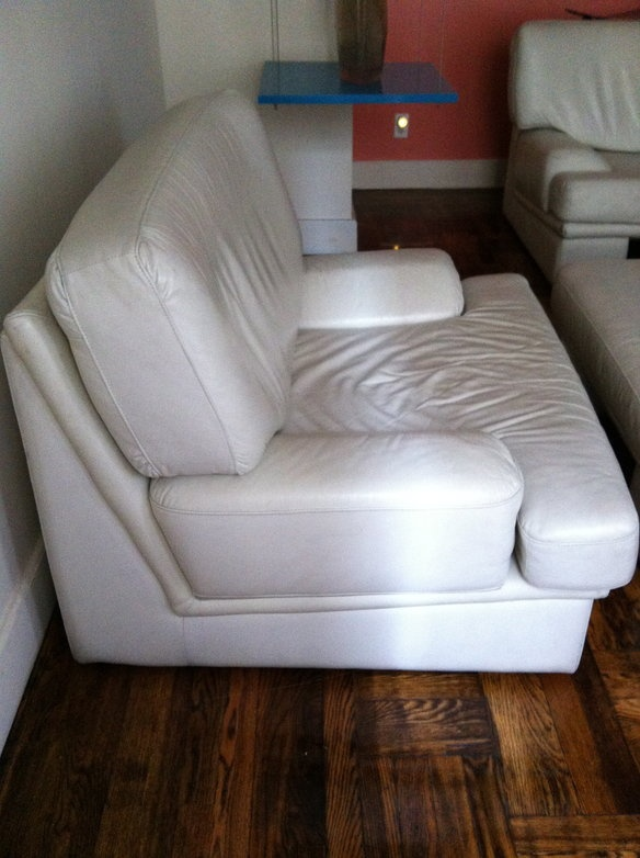 Best 25 Leather Chair With Ottoman Ideas On Pinterest Tv Above Fireplace