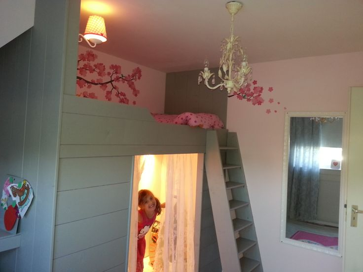 Mooie meisjeskamer grijs/roze
