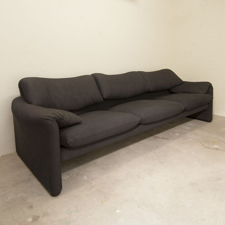 Maralung Sofa. Vico Magistretti for Cassina