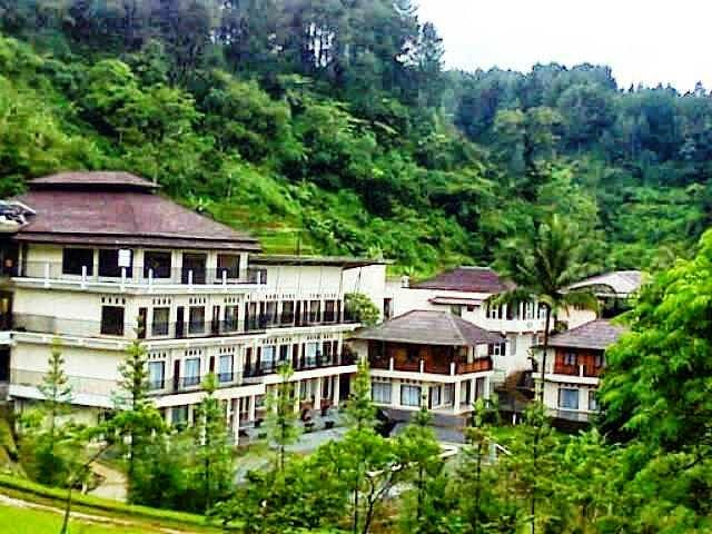 Outbound   Gathering   Team Building   Rafting   Offroad: SANTA MONICA HOTEL AND CONVENTION, TEMPAT OUTBOUND...