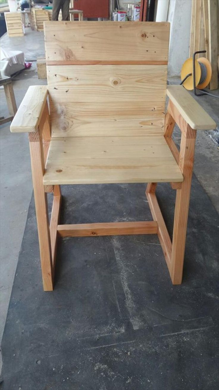 Diy pallet sofa with table 99 pallets - Pallet Chair With Trapezoid Legs Pallet Chairpallet Tablesdiy
