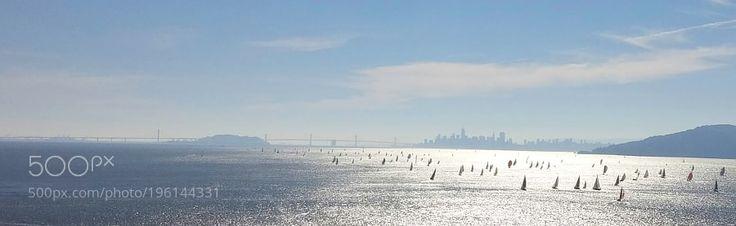 #Sport http://ift.tt/2jLxmCc #Photos San Francisco Sailboat Race around Red Rock Island by warrenayoung