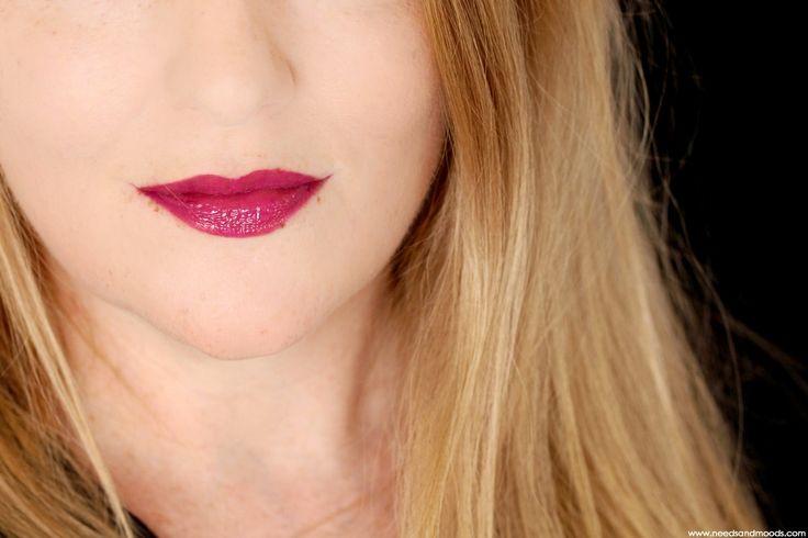 Les laques à lèvres Enamored de Marc Jacobs Beauty , Hi-Shine Lip Lacquer, vous connaissiez ?   Sur mon blog beauté, Needs and Moods, je vous propose swatch et make-up avec 3 de ces petites pépites : Rebel Rebel, Rah Rah, et Raspberry Beret.  https://www.needsandmoods.com/marc-jacobs-enamored-hi-shine-lip-lacquer-avis/  #MarcJacobs @marcbeauty #MarcBeauty #MarcJacobsBeauty #Enamored #LipLacquer #Lipstick #maquillage #makeup #Sephora #SephoraFr #SephoraFrance #beauté #beauty #BlogBeaute…