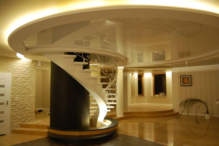 Sufit napinany także może być ozdobą pomieszczenia :) / The stretch ceiling can also be a decoration of a room :)