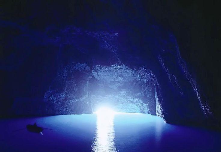 Στο Καστελλόριζο μία από τις ομορφότερες Μπλε Σπηλιές της Μεσογείου