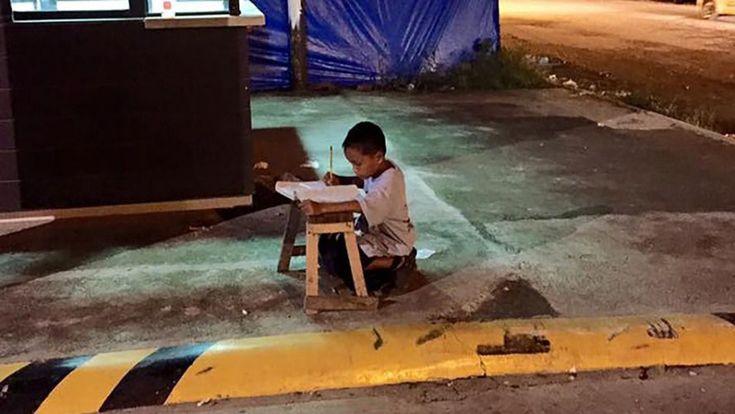 Travailleur, courageux et volontaire, Daniel Cabrera est un enfant extraordinaire. A lui seul, il illustre le sort réservé à la jeunesse déshéritée du monde entier. Sauf que lui a eu une chance inouïe… qui va