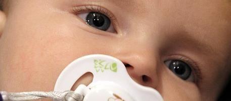 Kinderaugen telemedizinisch untersuchen – Sehkraft von Frühgeborenen bewahren  In Deutschland werden jährlich etwa 4 000 Kinder mit weniger als 1 500 Gramm Geburtsgewicht geboren, noch vor der 32. Schwangerschaftswoche. Je früher sie zur Welt kommen, umso größer ist ihr Risiko, eine schwere Augenerkrankung zu entwickeln  http://www.cleankids.de/2015/06/16/kinderaugen-telemedizinisch-untersuchen-sehkraft-von-fruehgeborenen-bewahren/55056/