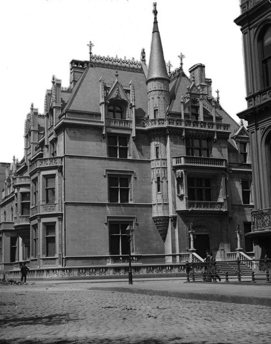 William K. Vanderbilt house, 1882, designed by Richard Morris Hunt, at 52nd and Fifth Avenue; photographed by Robert Bracklow circa 1900.
