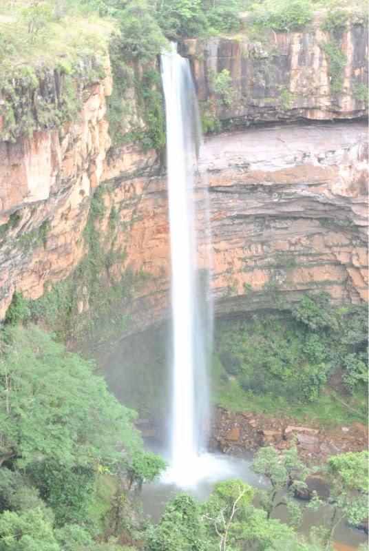 Cachoeira Veu da Noiva - Chapadas dos Guimaraes - Mato Grosso Brazil