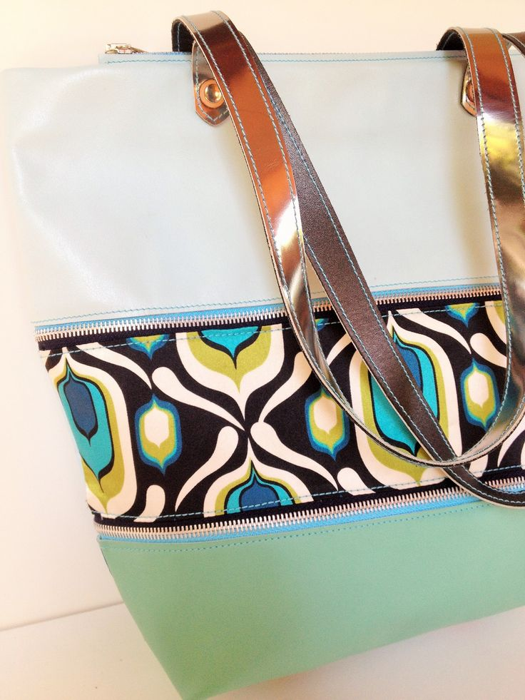 Zip Up by Levary Zip Up Bag páva www.levaryshop.com
