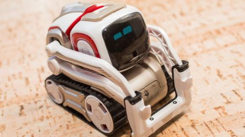 Anki Cozmo has the soul of a Disney movie in a $180 robot toy...