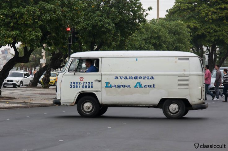 VW Panel Bay, Lagoa Azul Lavanderia, Copacabana, Rio de Janeiro, Brazil, May 23, 2013