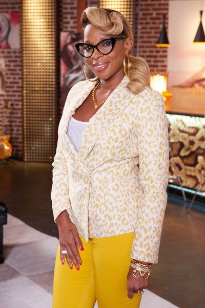 Mary J Blige joins #TheVoice tonight as an advisor to #TeamAdam!