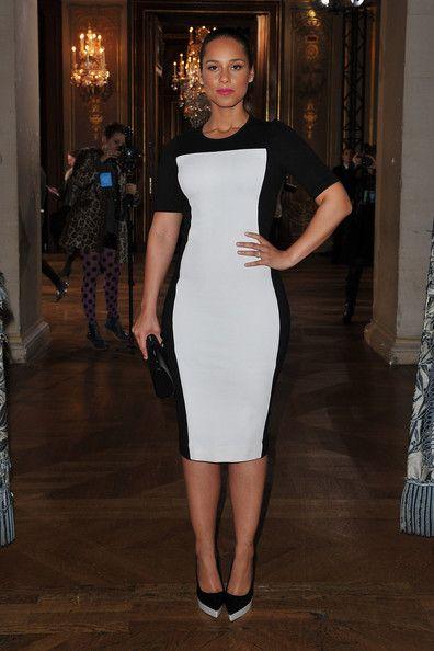 Black & White: Aliciakey Stellamccartney, Alicia Keys, Black And White, 2012 Dresses, Black White, Paris Fashion Weeks, 2012 Paris, Illusions Dresses, Keys Fashion
