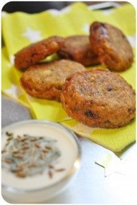 Beignets de lentilles corail – Le falafel From India {Massala Vadai} http://www.bollywoodkitchen.com/beignets-de-lentilles-corail-le-falafel-from-india-massala-vadai/1971#