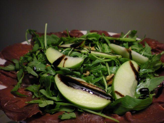 #Carpaccio di manzo con #mele verdi e #noci