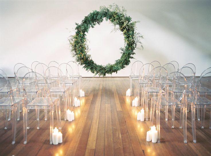 A Minimalist Wedding That Packs A Design Punch Modern Minimalist Wedding Minimalist Wedding Minimalist Wedding Decor