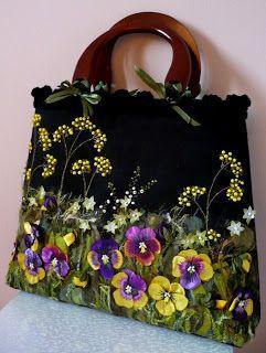 Волшебная вышивка лентами на сумочках