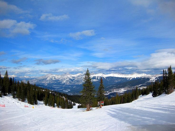 Skiing in Jasper (Marmot Basin resort), Alberta, Canada