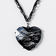 Chains and Lace Heart NecklaceLace Heart, Black Lace, Teen Jewelry, Atl Fashion, Favorite Things, Necklaces Pendants, Heart Necklaces, Homemade Jewelry, Claire 1150