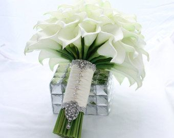 Very elegant creamy white calla lily bouquet for your Bridesmaid. These real touch creamy white mini calla lilies flowers are very high quality and