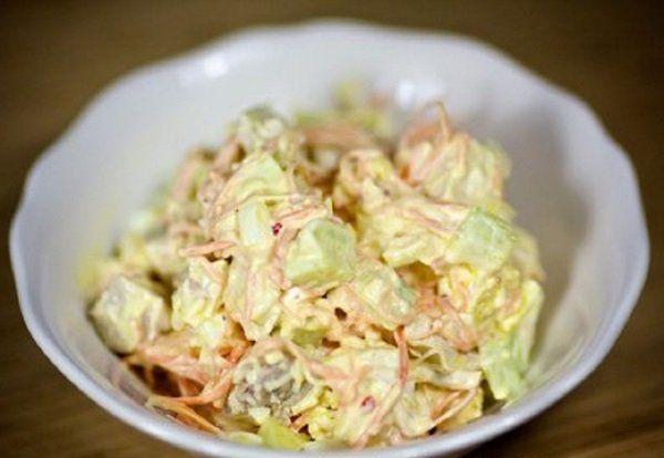 Самые вкусные салаты с курицей — классические и слоями: простые рецепты